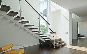 楼梯、电梯
